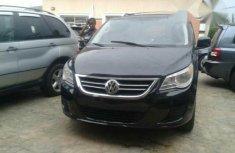 Volkswagen Routan 2010 Black for sale