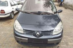 Very clean tokunbo Renault scenic 2006 for sale