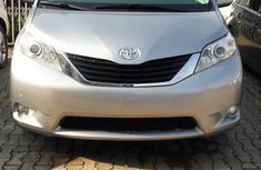 Clean Toyota Sienna 2016 Silver for sale