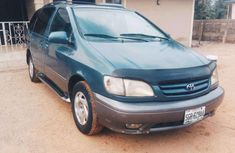 Neatly Used 2002 Toyota Sienna XLE for sale