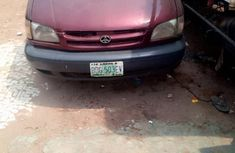 Clean Toyota Sienna 2001 Red for sale