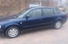Volkswagen Passat 1993 Blue for sale
