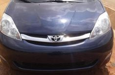 Toyota Sienna 2010 Blue for sale
