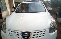 Clean Nissan Rogue 2008 White for sale