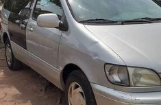 Toyota Sienna 2002 Beige for sale