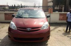 Toyota sienna 010 tokunbo for sale