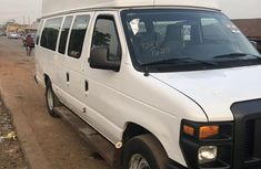Ford E-250 2009 Extended White for sale
