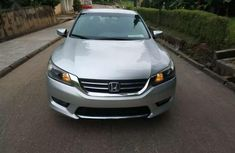 Very clean tokunbo Honda accord o14 for sale