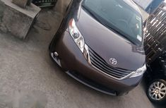 Toyota Sienna XLE 2012 Gray for sale