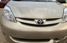 Toyota Sienna 2008 LE Gold for sale