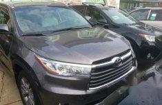 Toyota Highlander 2015 Gray for sale