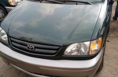 Toyota Sienna 2002 Green for sale