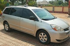 Extra Clean Toyota Sienna 2004 Silver For Sale