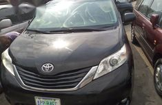 Toyota Sienna LE 8 Passenger 2011 Black for sale