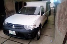 Mitsubishi L200 2011 White for sale
