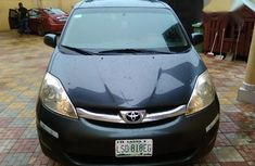 Toyota Sienna 2006 Gray for sale