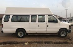 Ford E-250 Extended 2009 White  for sale