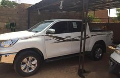 Toyota Hilux 2017 White for sale
