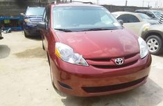 Toyota Sienna 2009 Automatic Petrol for sale