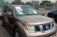 Nissan Pathfinder 2005 SE Gold for sale