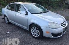 Volkswagen Passat 2010 2.0 Sedan Gray for sale