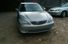 Clean Toyota Camry XLE 2005 Gray for sale