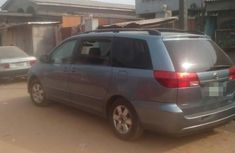 Toyota Sienna 2004 LE FWD (3.3L V6 5A) Blue for sale