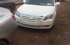 Toyota Avalon 2007 XLS White for sale