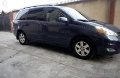 Toyota Sienna LE 4WD 2007 Gray for sale