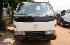 Toyota Dyna 2002 Petrol Manual White for sale