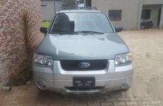 Ford Escape Hybrid 2005 Green for sale