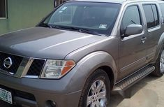 Nissan Pathfinder 2006 LE 4x4 Brown for sale