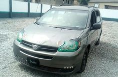 Toyota Sienna 2004 Automatic Petrol ₦980,000 for sale
