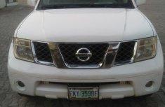 Nissan Pathfinder 2005 LE White for sale