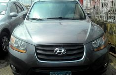 Hyundai Santa Fe 2010 Gray for sale