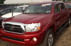 2007 Toyota Tacoma Automatic Petrol well maintained for sale