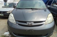 Toyota Sienna LE 2006 Gray for sale