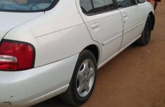 Nissan Altima 2001 White for sale