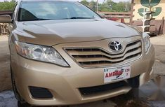Toyota Camry 2010 Gold for sale