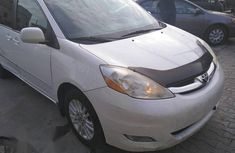 Toyota Sienna 2009 XLE Limited AWD White for sale