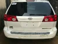 Almost brand new Toyota Sienna 2004 for sale
