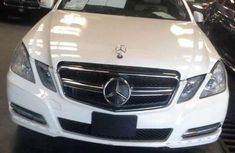 Tokunbo Mercedes Benz E350 white 2012 for sale