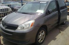 2005 Toyota Sienna LE Grey for sale
