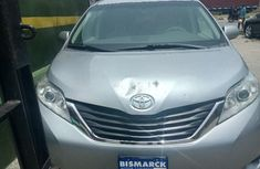 Almost brand new Toyota Sienna 2011 for sale