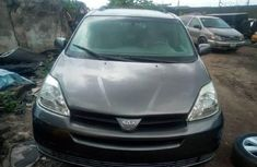 Toyota Sienna 2005 Automatic Petrol ₦1,750,000 for sale