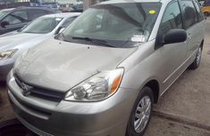Almost brand new Toyota Sienna 2005 for sale