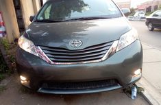 2010 Toyota Sienna Petrol Automatic for sale