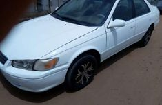 Clean Toyota Camry for sale. 2000 model