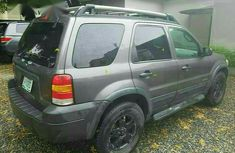 Ford Escape 2005 XLS 4x4 Gray for sale