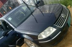 Volkswagen Passat 2004 1.8 T Blue for sale
